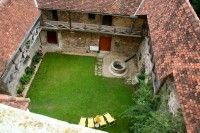 Burg Neuhaus Burghof